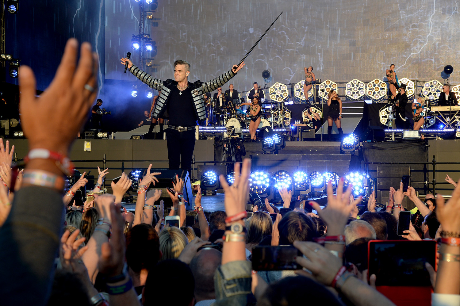 Live Review: Robbie Williams at British Summer Time, London, 14/07/2019