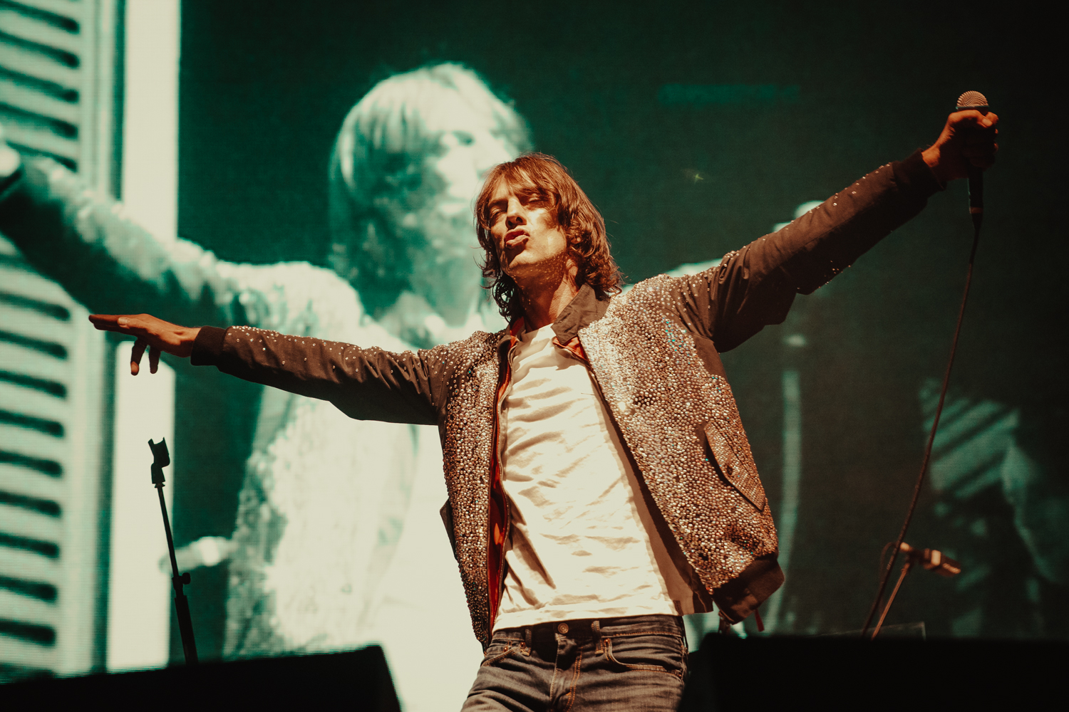 Richard Ashcroft's dazzling Olympia spectacle - in photos