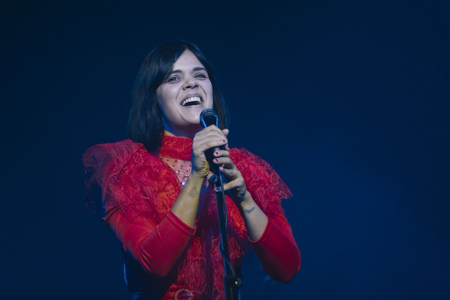 Live Review: Bat For Lashes at EartH (Evolutionary Arts Hackney), London, 26/11/19 | Gigwise